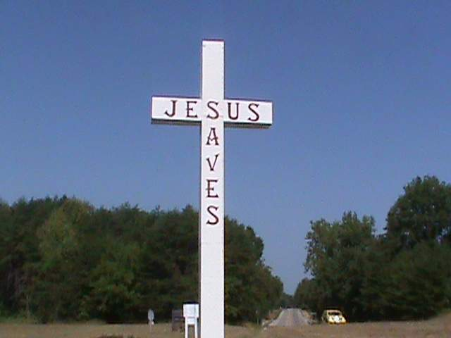 Indiana Town Threatened by Church-State Separation Group Fights to Keep 'Jesus Saves' Cross Along Roadway