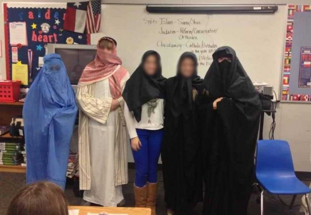 Texas Teacher Under Investigation For Dressing Students in Islamic Burqas