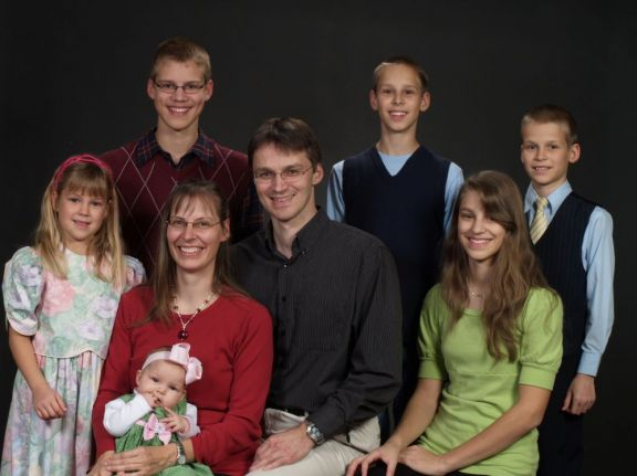 Tens of Thousands Petition White House to Help Fight Deportation of German Homeschooling Family