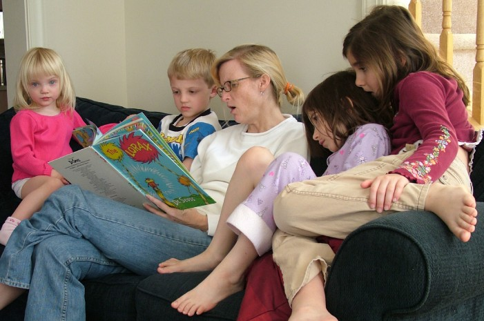 UK Members of Parliament: Stay-at-Home Parents Deserve More Support From Gov't
