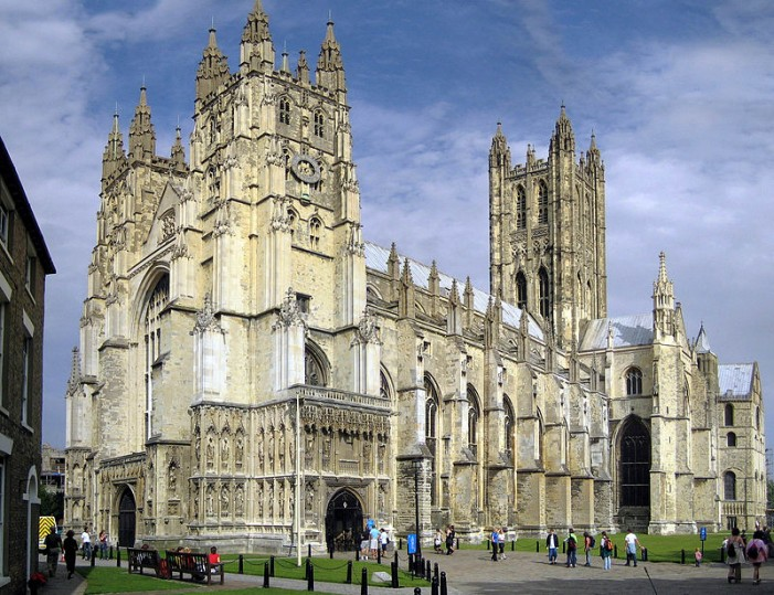 Church of England Overwhelmingly Votes to 'Welcome and Affirm' Transgenders