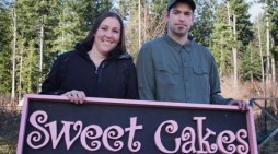 US Supreme Court Throws Out Ruling Against Oregon Bakery, Sends Case Back to Lower Court for Review