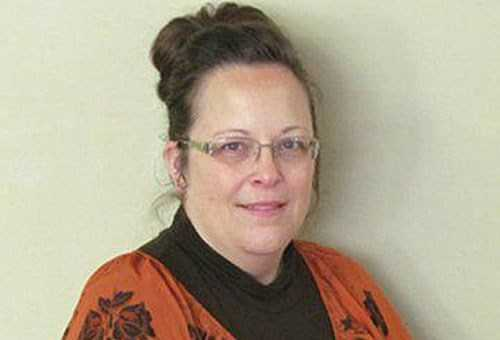 Kentucky Woman Sues Kim Davis for Denying License to 'Marry' Animal