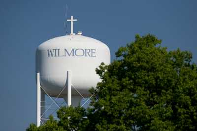 Kentucky Mayor Refuses to Remove Cross from Water Tower Following Atheist Complaint