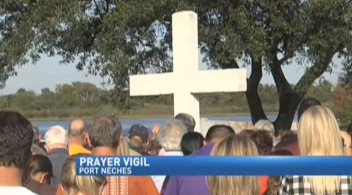 Community Pushes Back as Atheist Activist Group Seeks Removal of Cross from Texas Park