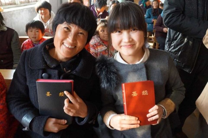 Chinese Youth Hungry for Word of God