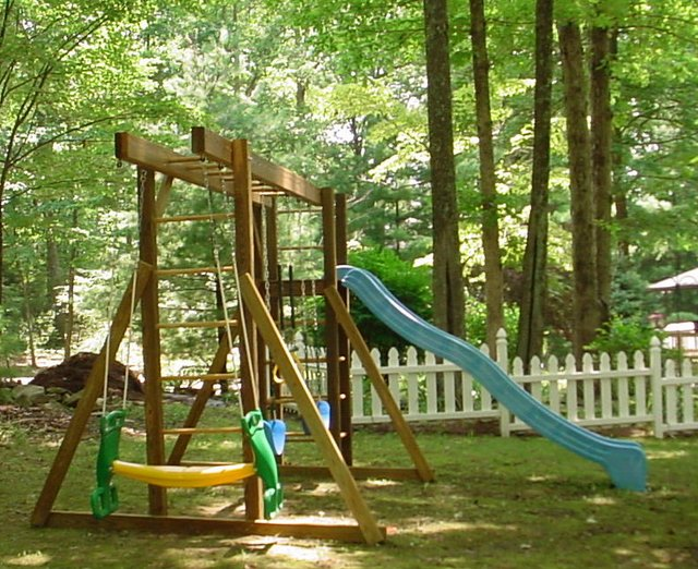Texas Homeschooling Family Sued for Allowing Children to Play Outside