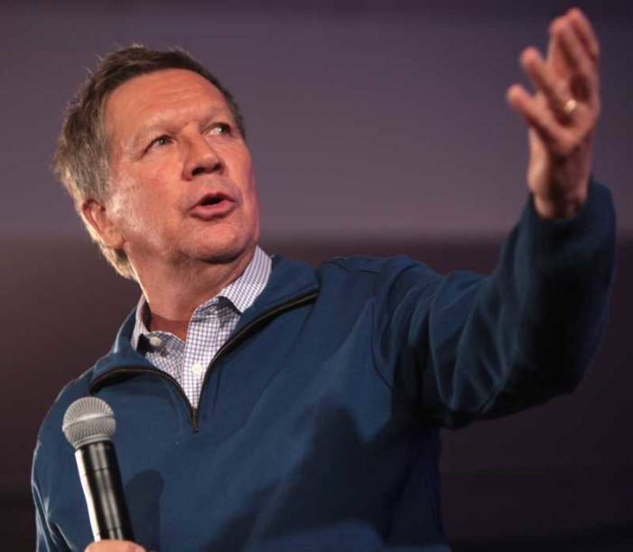 Kasich Backtracks 'Cupcake' Remarks, Says Businesses Shouldn't Have to Participate in 'Gay Weddings'