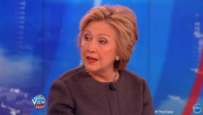 Hillary Clinton Claims to Evangelicals: 'I'm a Christian … a Praying Person'