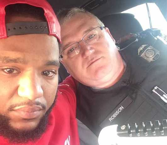 Ohio Officer Prays With Grieving Man, Drives Him 100 Miles to See Mother After Sister's Death