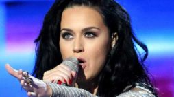 Pop Star Katy Perry Donates $10,000 to Planned Parenthood Over Concerns Org Could Be Defunded