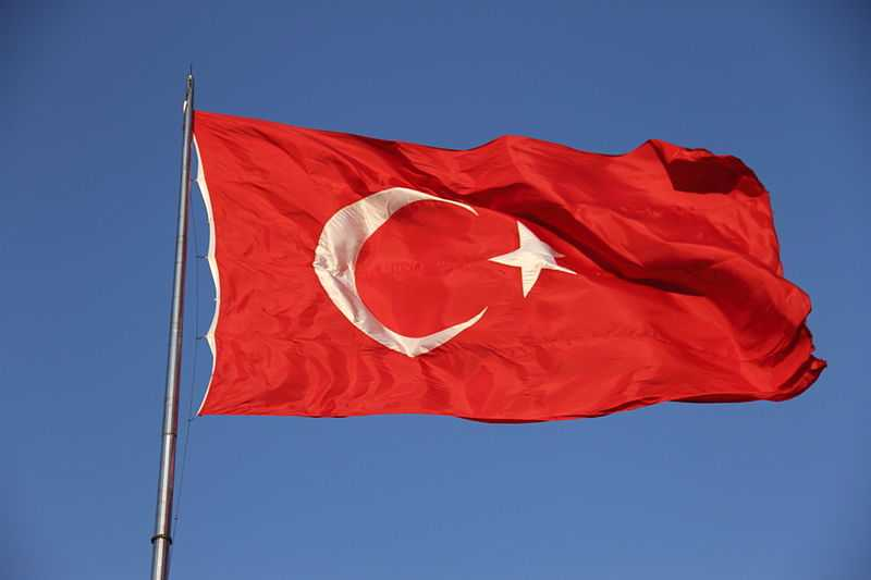 turkey-flag-burak-su-compressed