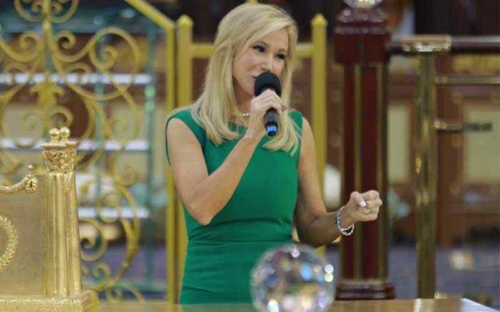 'Heretic' Prosperity Preacher Paula White Issues Defense After Selection for Trump Inauguration Criticized