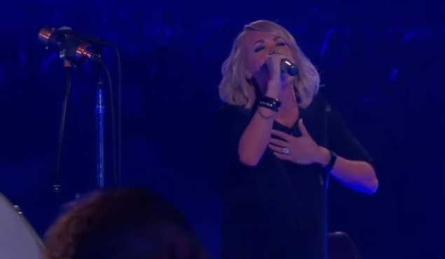Concerns Raised After 'Gay Marriage' Supporter Carrie Underwood Sings at Passion Conference