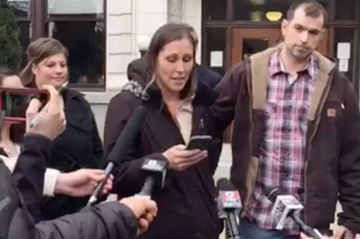 'We Lost Everything': Bakers Give Emotional Plea in Appealing $135,000 Fine for Declining 'Gay Wedding'