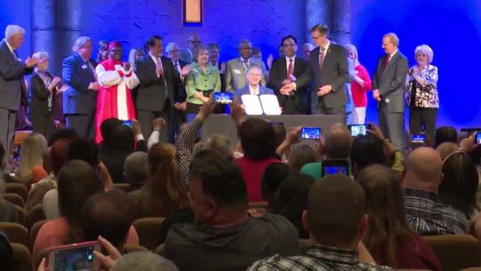 Texas Governor Signs 'Sermon Safeguard Bill' Preventing Government From Probing Preaching