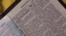 Atheist Activist Group Wants to Stop Pastor From Offering Lunchtime Bible Study at School