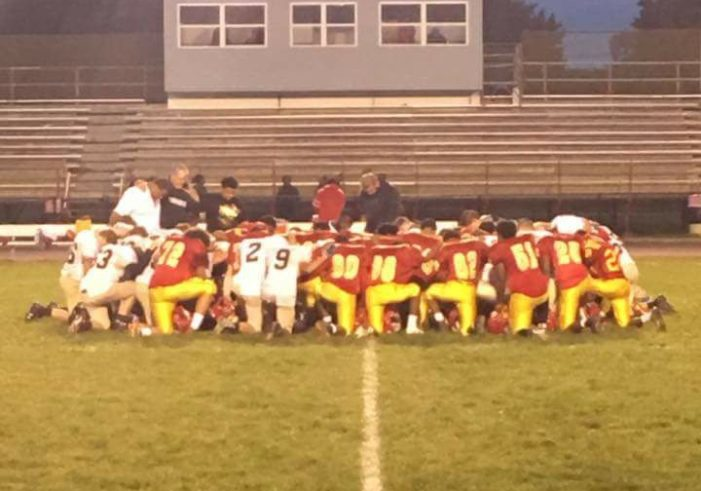 Atheist Group Urges Investigation Into Coach's Gesture to Unite Teams in Post-Game Prayer