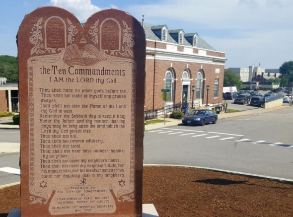 Atheist Flag to Be Raised Over New Hampshire Ten Commandments Monument