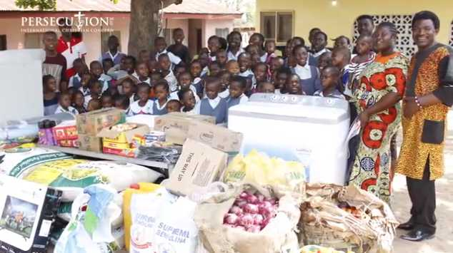 Nigerian 'Mama' Cares for More Than 50 Children at Her Home in Midst of Orphan Crisis