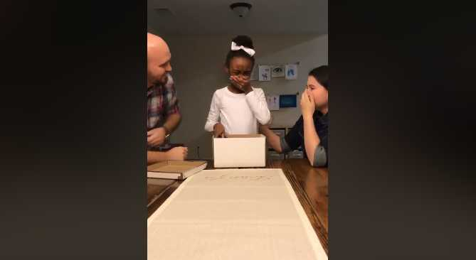'She Had Been Praying to Be Adopted': Girl's Reaction to Note Inside Gift Box From Foster Parents Goes Viral