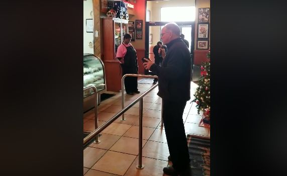 'Just You, Father': Video Shows Alabama Restaurant Owner Praying, Encouraging Employees in the Lord
