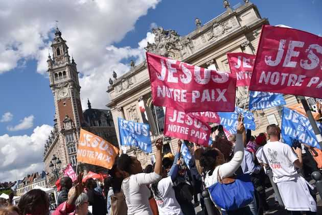Thousands of Christians March for Jesus in France