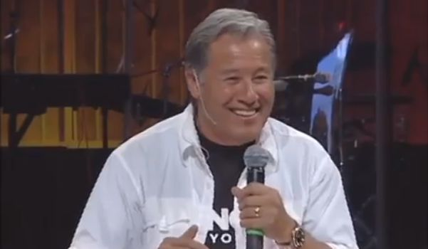 Pastor Contrasts American Christianity With Fervor of Chinese Christians: 'I Will Not Pray You Become Like Us'