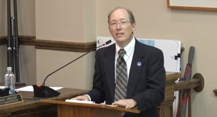 Apostate Minister Opposes Proposal to Appoint Pastor to Present Prayers at City Council Meetings