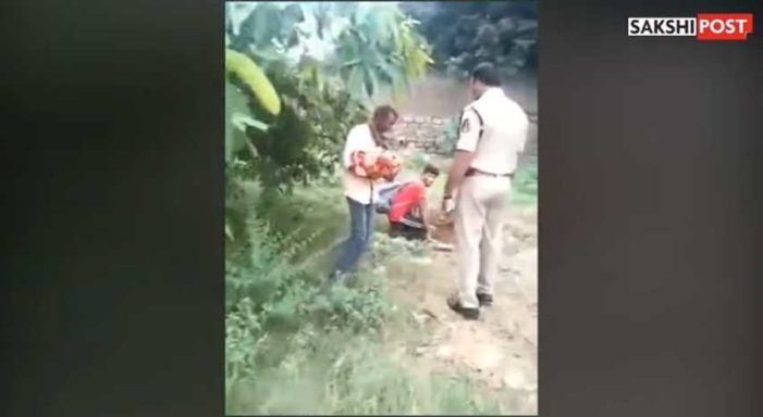 Police in India Rescue Newborn Girl About to Be Buried Alive