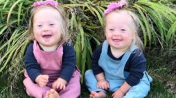 Ore. Mother Thankful for Twin Blessings After Refusing Genetic Testing, Abortion