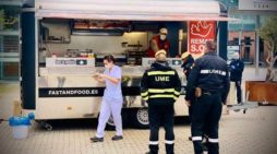 Church-Linked Group Distributes Free Lunches to Workers at Madrid Field Hospital