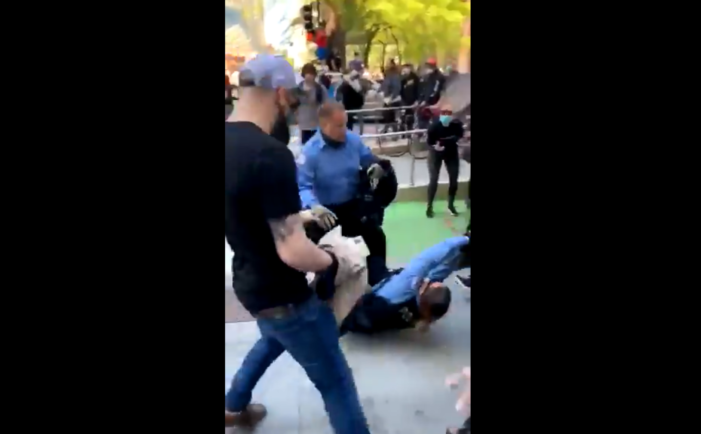 Video Shows Lawless Mob Dragging Chicago Police Officers Around, One Punched in Head