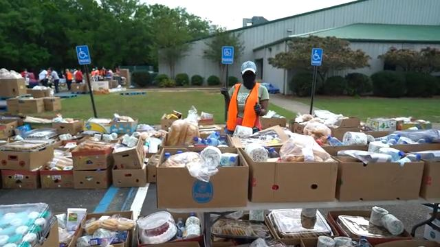 Fla. Church to Give Out 53,000 Pounds of Food During Drive-Through Distribution