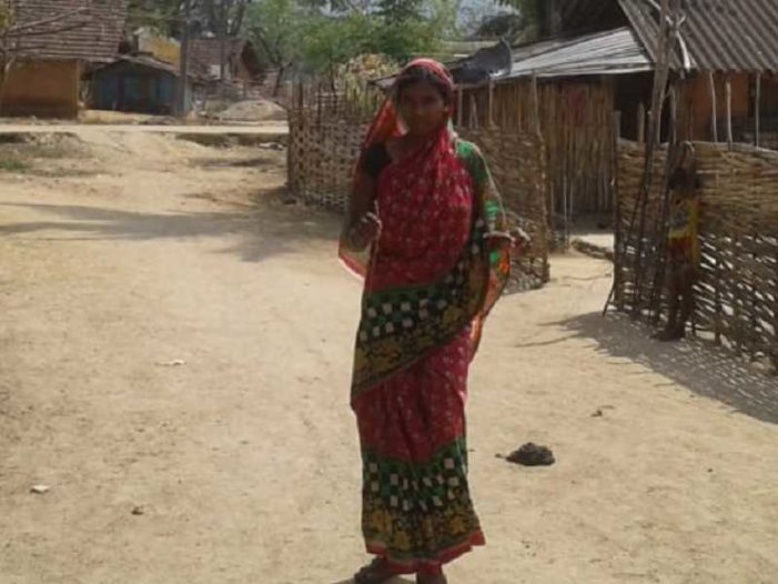 Former Hindu Woman Kicked Out of the House With Daughter After Turning to Christ