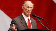 Alabama Governor at Odds with Own Pastor's Sermon Opposing 'Gay Marriage' Ruling
