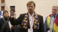 Apostate Pastor Who Officiated Son's Same-Sex 'Marriage' Reinstated