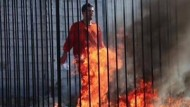 Downed Jordanian Pilot Captured by Barbaric ISIS Group Locked in Cage, Burned Alive